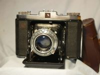 '        523/16    ' Zeiss Ikonta 523/16 Folding Camera w/ 3.5 75mm Lens £39.99
